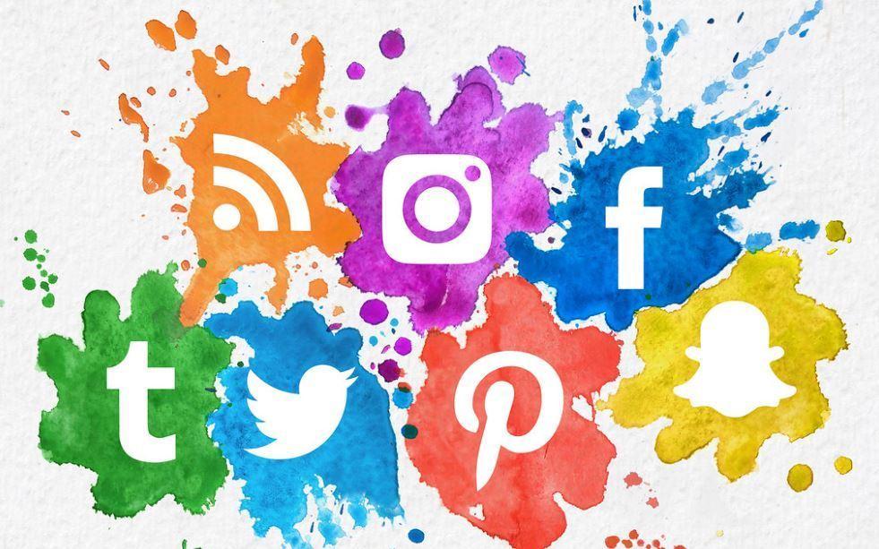 Find Emails On Websites And Social Networks